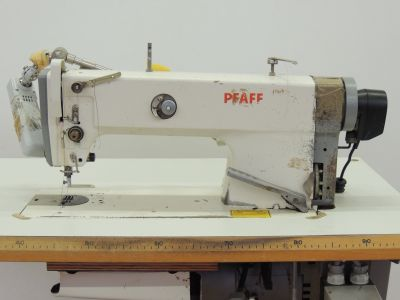 used PFAFF 951-900 - Sewing