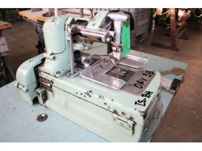 AMF Reece S2-ISBH usata Macchine per cucire