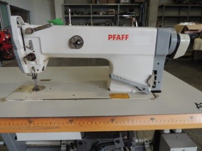 used Pfaff 953-900 - Sewing