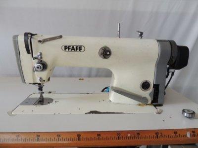Pfaff 483-900  usata Macchine per cucire