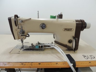 used Pfaff 483-900 - Sewing