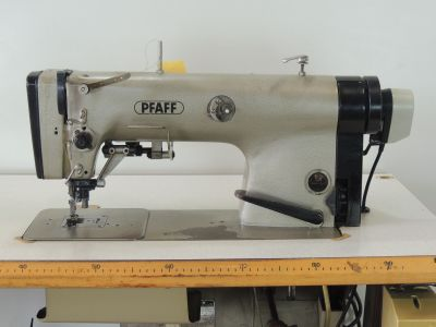used PFAFF 483-731-900 - Sewing