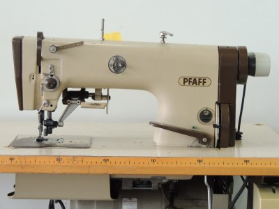 used PFAFF 483-G-731-900 - Sewing