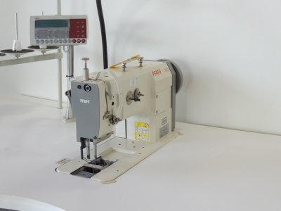 used PFAFF 1243-712-900 - Sewing