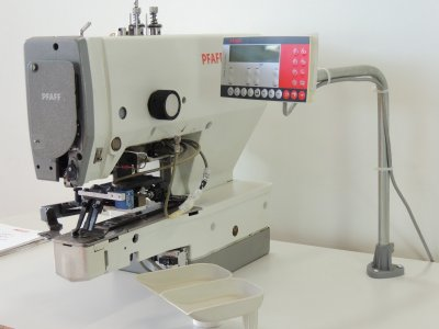 used PFAFF 3307-1-02 - Sewing
