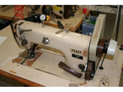 Pfaff 483-900 puller  usata Macchine per cucire